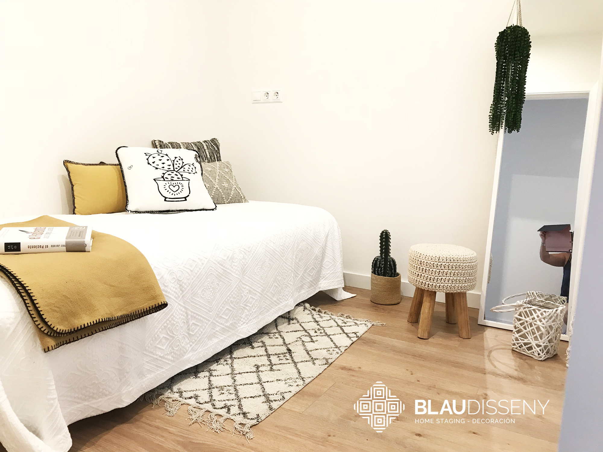 Blaudisseny-home-staging-santa-catalina-habitacion-individual-1-despues-logo